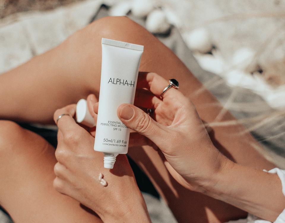 Je huid beschermen tegen schadelijke invloeden van buitenaf | Alpha essential skin perfecting moisturiser SPF 15